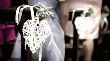 How to choose decoration for church pews wedding